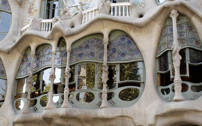 How to visit L'Eixample in Barcelona?