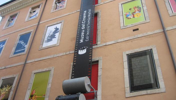 El museo del cine en girona for Horario oficinas catalunya caixa