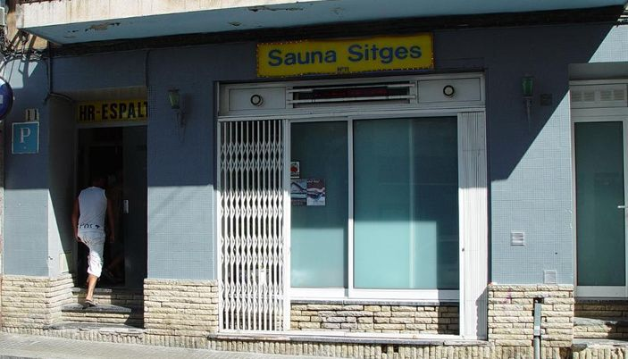 sauna sitges sauna gay sitges. Black Bedroom Furniture Sets. Home Design Ideas