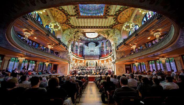 Visite el distrito del born el born en barcelona for Hoteles en el born de barcelona