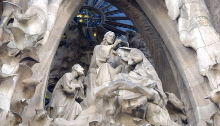 Resultado de imagem para a sagrada familia gaudi barcelona