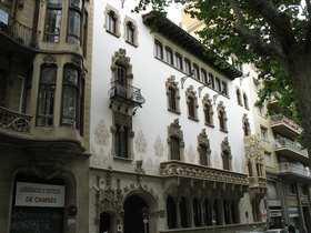 Fondazione la caixa casa macaya a barcellona - Casas embargadas la caixa ...